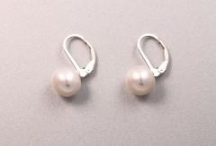 Pērļu auskari